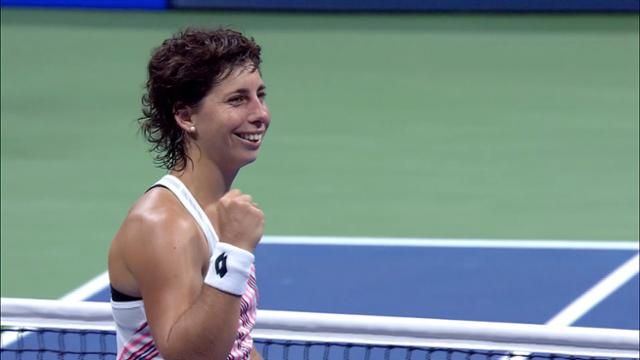 play video Highlights: Carla Suarez Navarro vs. Maria Sharapova - Round 4